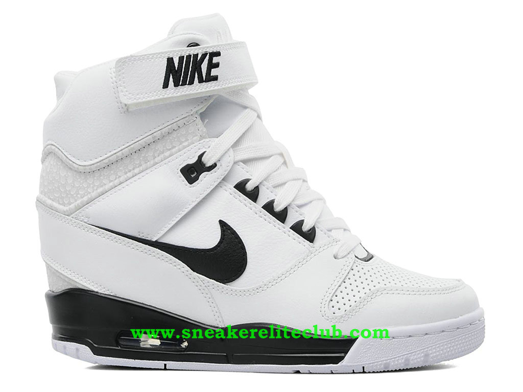 chaussure montante nike air revolution sky hi pas cher pour femme fille blanc noir 637989 100. Black Bedroom Furniture Sets. Home Design Ideas